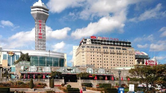 See the Sights and Enjoy All of the Games at Casino Niagara in Ontario
